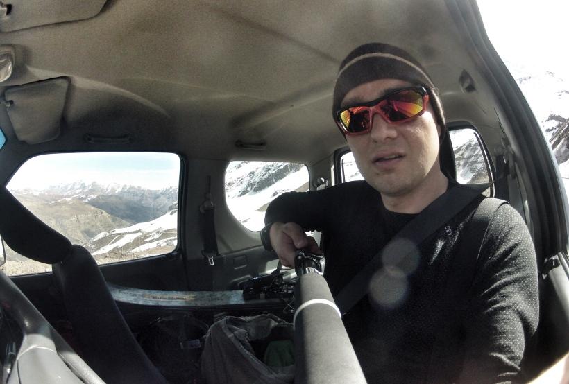 To wnętrze mojego batmobila. Jest teraz jednoosobowy: żeby zmieścić moje narty - trzeba było złożyć wszystkie siedzenia oprócz mojego...